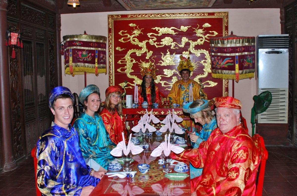 Päivä kuninkaallisina Huessa