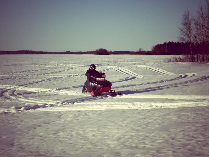 Snowmobile (800x600)