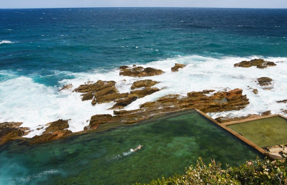 Uima-allas merellä Australia