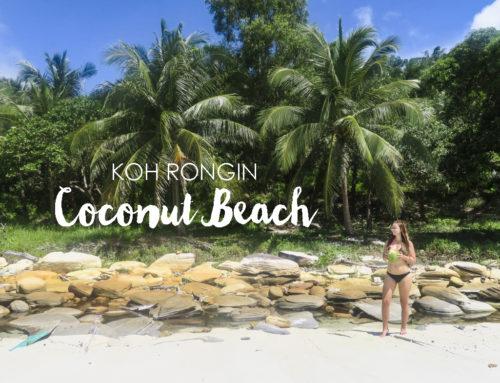 Uinti hohtavassa planktonissa Koh Rongin Coconut Beachillä